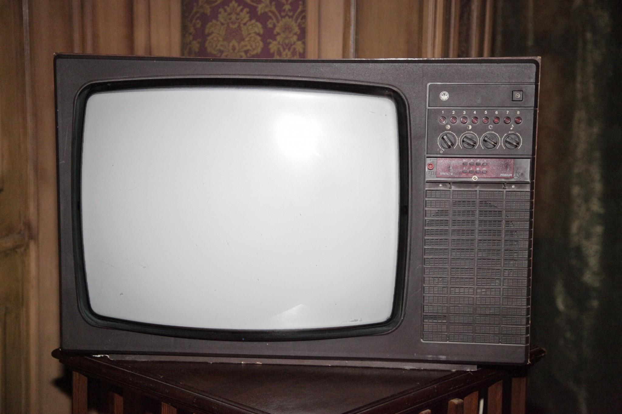 Тв тумбы под телевизор фото своими руками можно найти